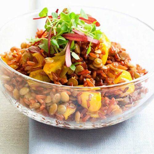 Salade de riz rouge au poulet et aux nectarines